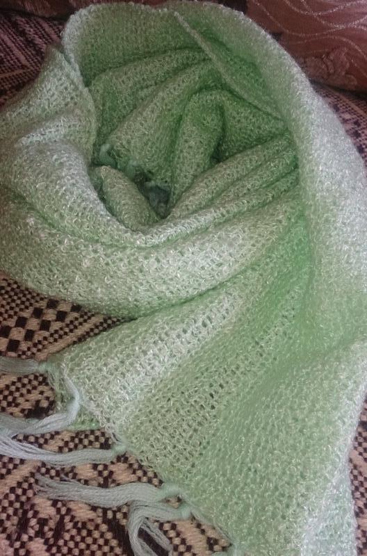 Салатовий шарф
