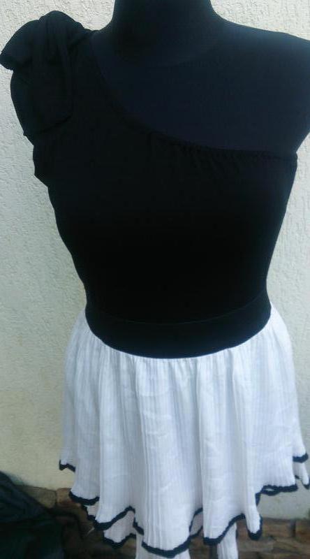 Чорно біла сукня на одне плече tally weijl m
