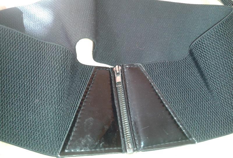 Легкий чорний пояс резинка на замочок