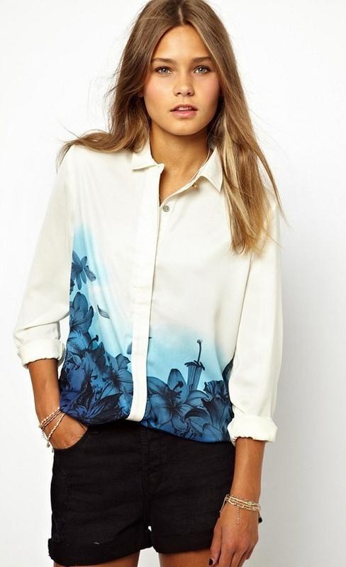 Стильна біла блуза в голубі квіти dnang wear s нова бірки