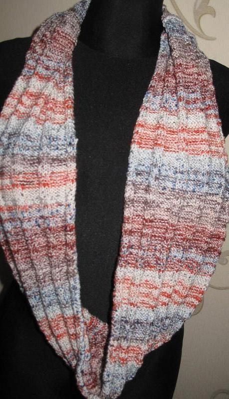 Кольоровий шарф хомут