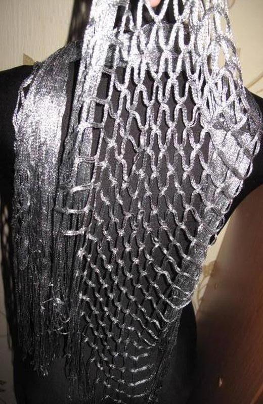 Срібний легкий шарф