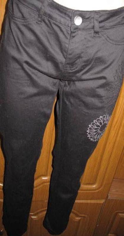 Чорні джинси desigual w26