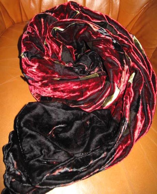 Елегантний велюровий шарф квіти