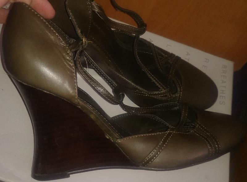 Стильні туфлі хакі р40 dorothy perkns шкіра