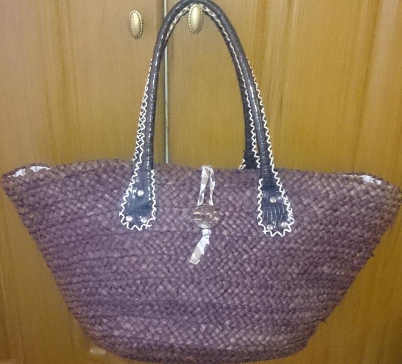 Стильна плетена коричнева сумка