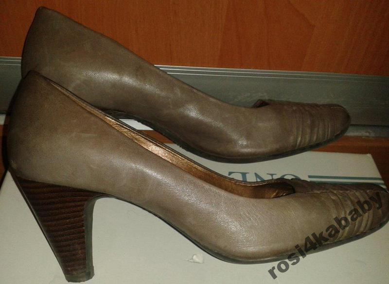 Стильні бежеві туфлі clarks р39 шкіра