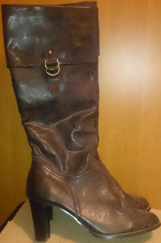 Стильні коричневі чобітки р39 new look
