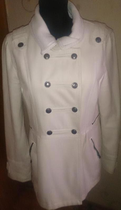 Стильне біле пальто рхл bershka