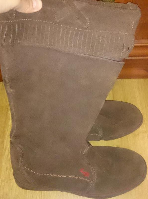 Стильні коричневі чоботи замша р39 dvs