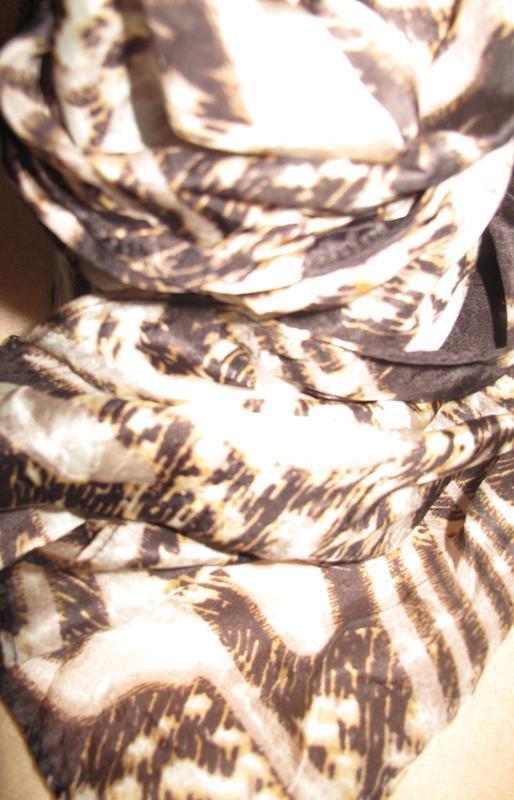 2 легкі шарфи за 1 ціну