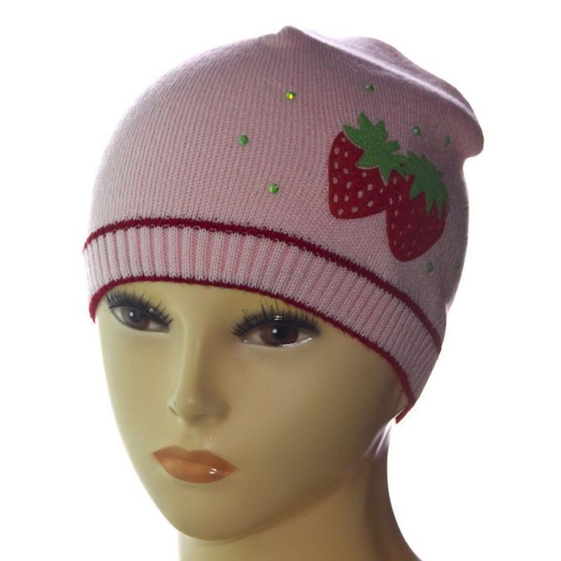 Весенне - осенняя шапка с клубникой