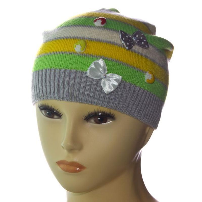 Шерстяная шапка с бантиками сезон весна- осень
