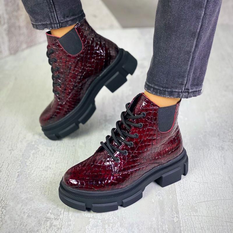 Шикарные женские кожаные бордовые короткие ботинки