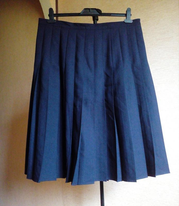 Базовая юбка тёмно синего цвета в круговую крупную складку от ...