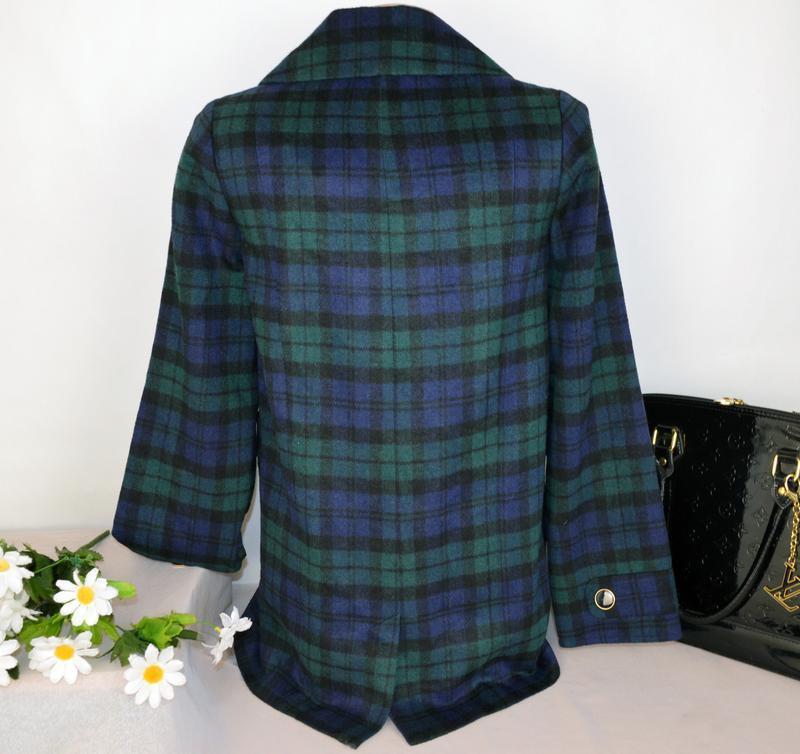 Брендовое демисезонное легкое пальто в клетку с карманами tu в... - Фото 3
