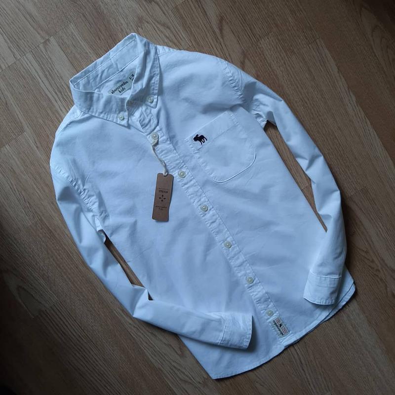 Белоснежная рубашка для мальчика 9-10лет