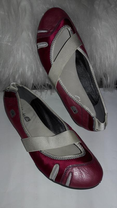 Кожаные балетки от clarks