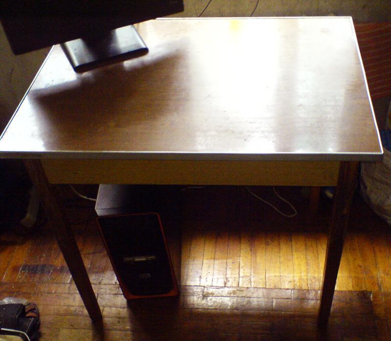 Стол (85,5х60,5 см, h=78,5 см) кухонный обеденный от стенки Мрия