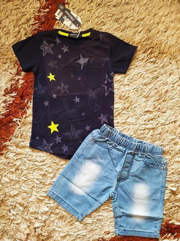 Летний нарядный костюм для мальчика. джинсовые шорты и футболк...