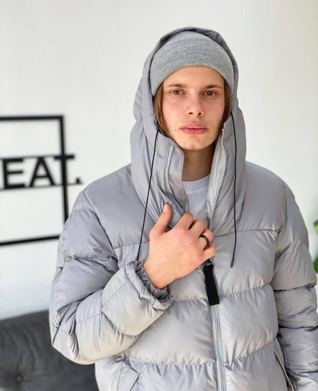 Мужская зимняя удлиненная куртка пуховик парка серого цвета