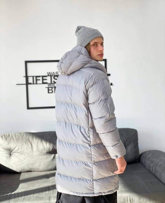 Мужская зимняя удлиненная куртка пуховик парка серого цвета - Фото 2