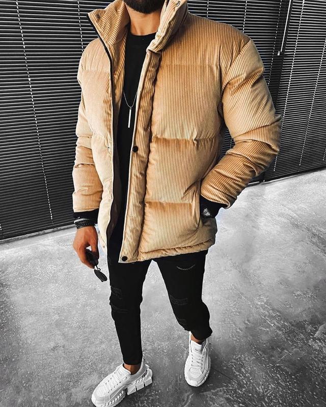Мужская зимняя велюровая куртка бежевого цвета