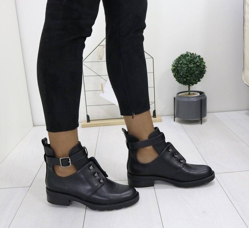 Новые шикарные женские черные осенние ботинки - Фото 6