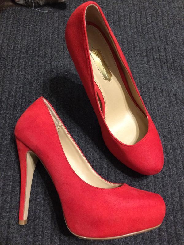 Dorothy perkins замшевые туфли красные