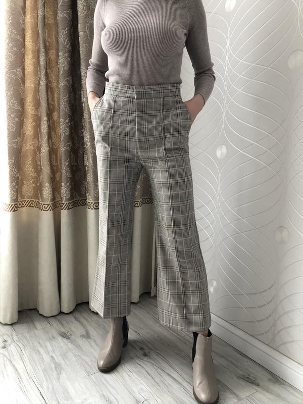 Шикарние брюки клеш от h&m в клетку - Фото 2