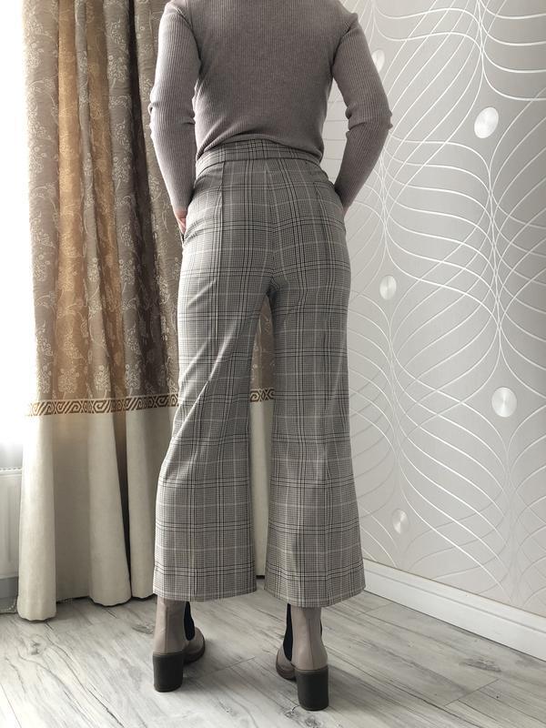 Шикарние брюки клеш от h&m в клетку - Фото 4