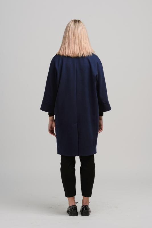 Осеннее женское пальто season бланш синего цвета - Фото 3
