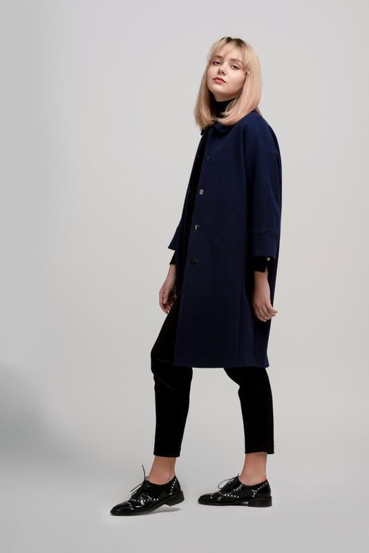 Осеннее женское пальто season бланш синего цвета - Фото 4
