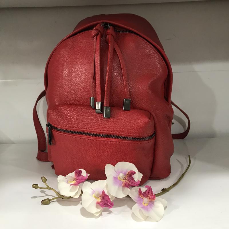 Крутой красный рюкзак кожа италия