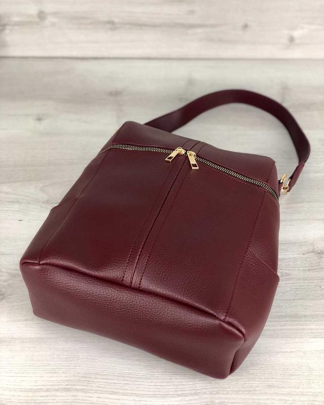 Молодежный сумка-рюкзак фроги бордового цвета 460070 - Фото 5