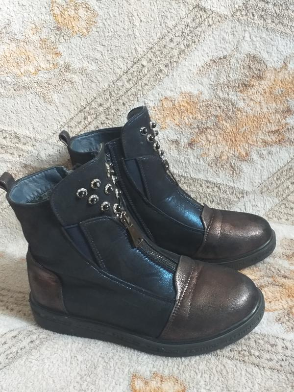Классные,модные ботиночки на девочку.