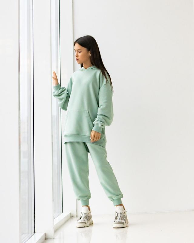 Стильный спортивный костюм оверсайз для девочек
