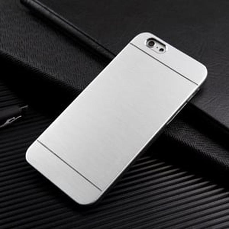 Пластиковый чехол Motomo Metal Silver Серебро для iPhone 6/6s