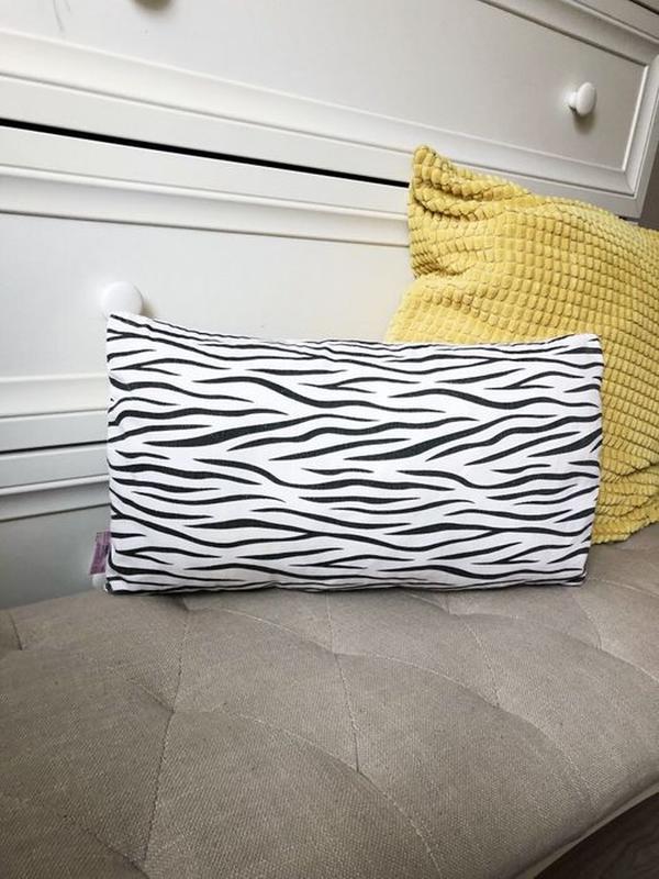 Подушка зебра декоративная в зебру