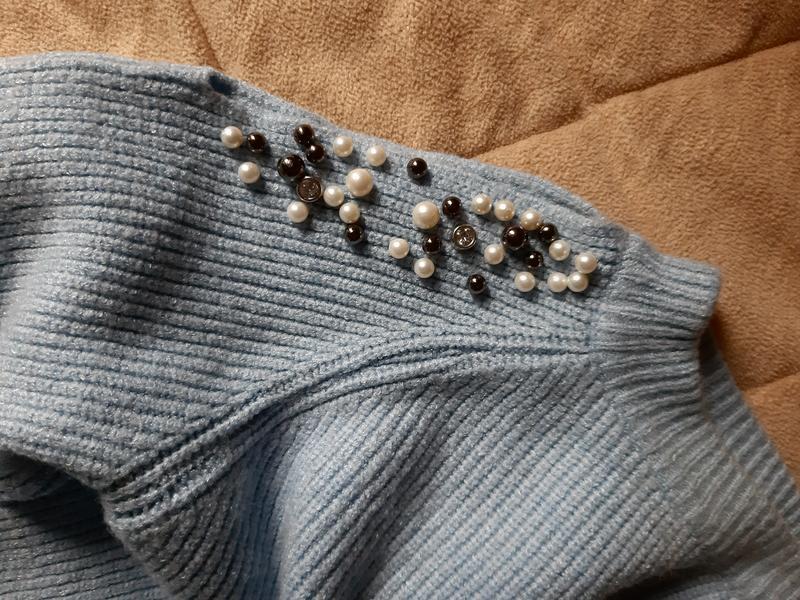 Кофта с жемчугом, открытыми плечами - Фото 4