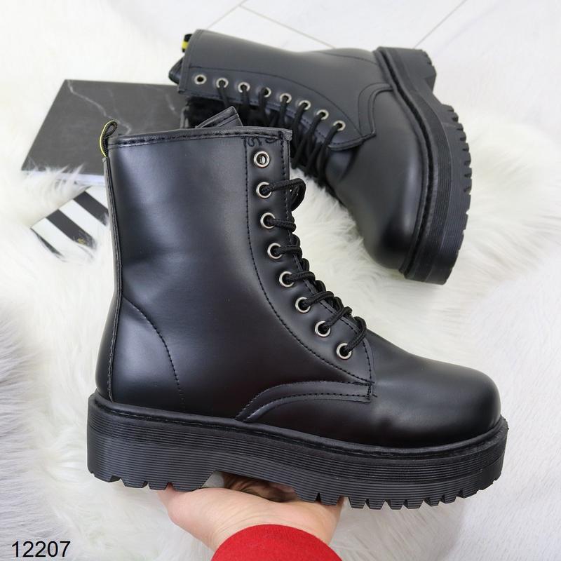 Высокие чёрные тёплые ботинки на массивной подошве,чёрные груб... - Фото 3