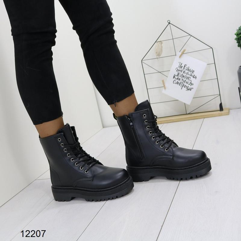 Высокие чёрные тёплые ботинки на массивной подошве,чёрные груб... - Фото 4