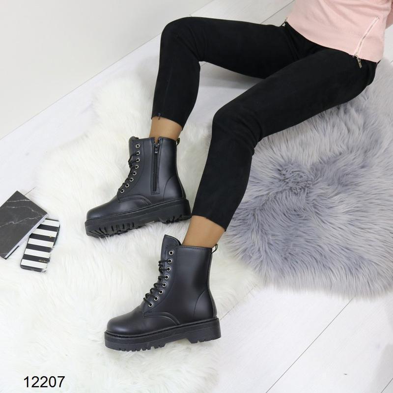 Высокие чёрные тёплые ботинки на массивной подошве,чёрные груб... - Фото 5