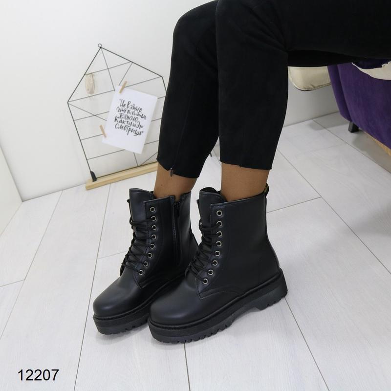 Высокие чёрные тёплые ботинки на массивной подошве,чёрные груб... - Фото 7