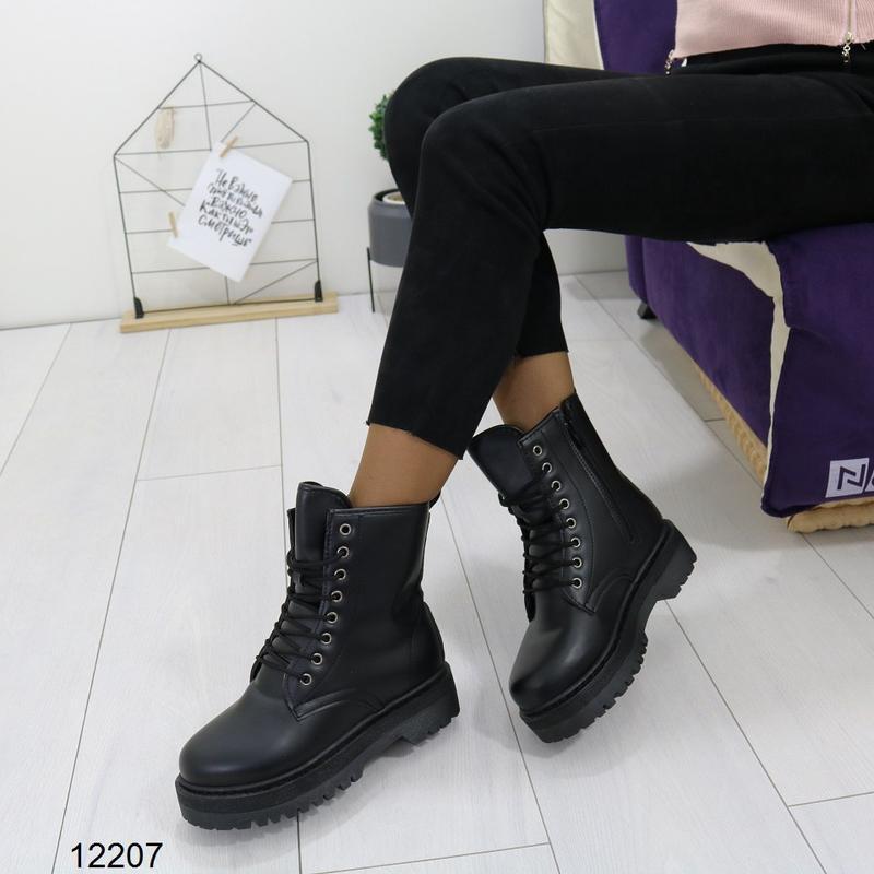 Высокие чёрные тёплые ботинки на массивной подошве,чёрные груб... - Фото 10