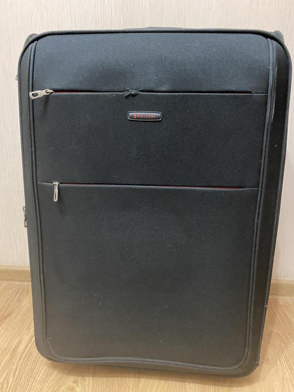 Большой мягкий чемодан на колёсах