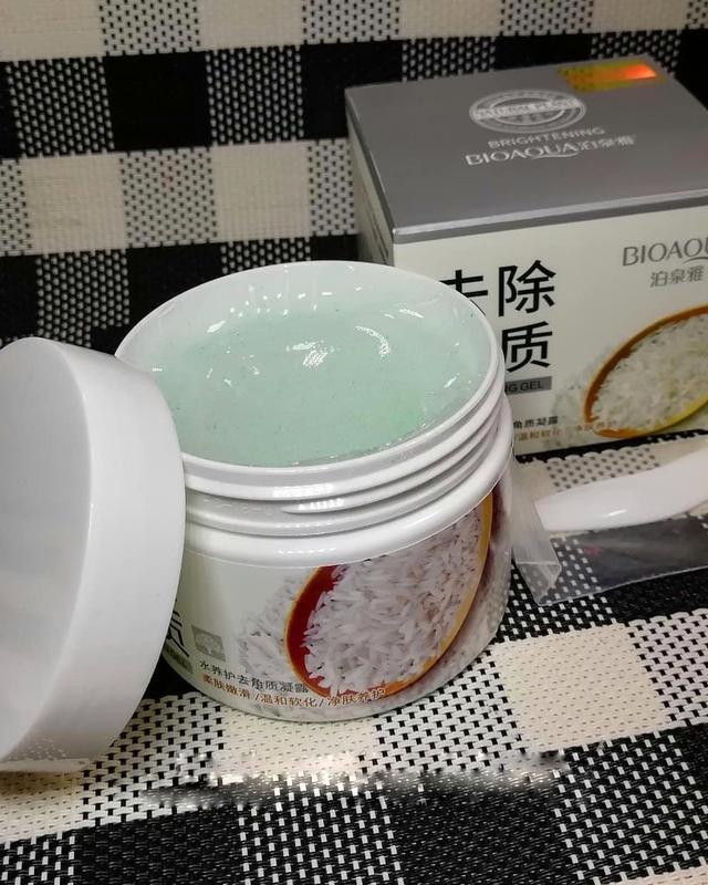 Скраб-гель для лица bioaqua brightening & exfoliating gel