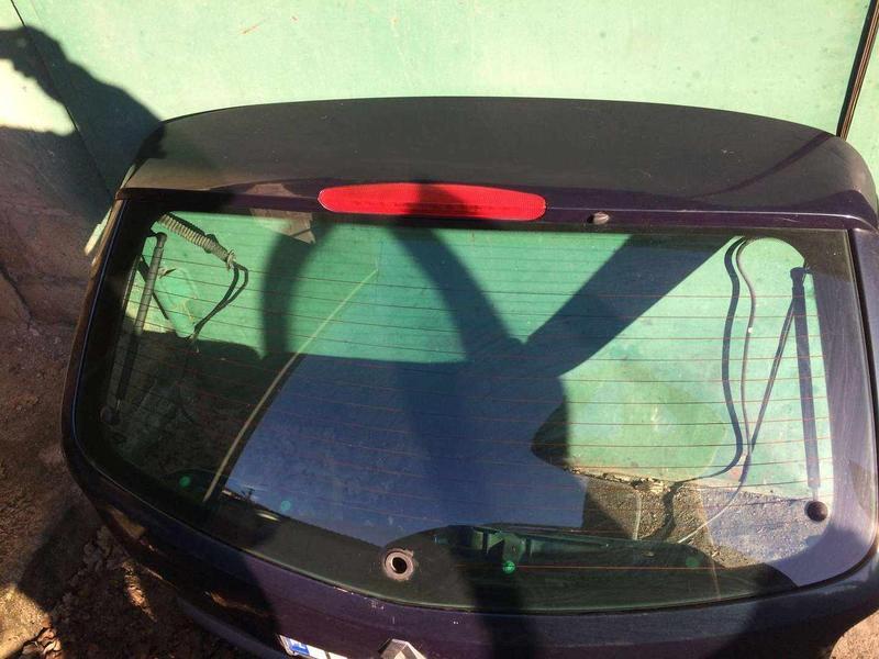 Б/у стекло крышки багажника для Renault Laguna II, Рено Лагуна 2,