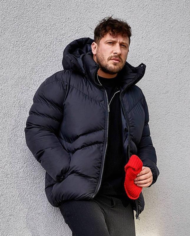 Мужская зимняя куртка пуховик черного цвета