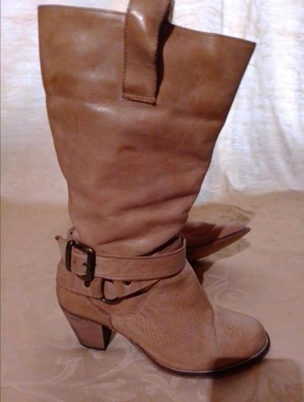 Классные кожаные сапоги!))